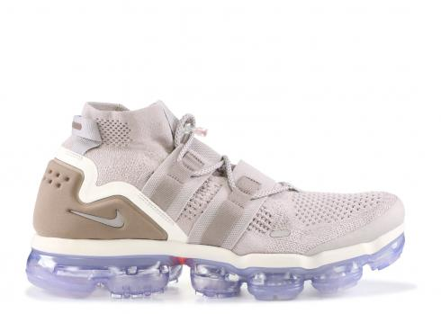 ca9432f10ee6b Nike Air VaporMax Utility College Navy College Navy Habanero Red ...