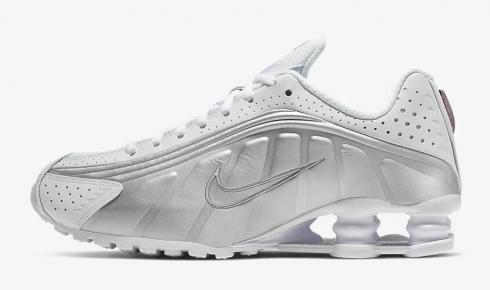 Nike Shox R4 White Metallic Silver Max Orange AR3565-101