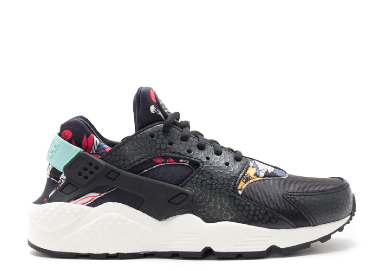 timeless design e593c e4534 Move your mouse over image or click to enlarge. Next. CLICK IMAGE TO ENLARGE.  Womens Air Huarache Run Print Aloha Pack ...