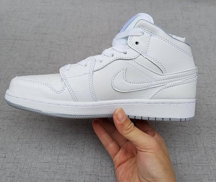 Nike Jordan White 2017 I Air Retro New Ds 1 All Shoes Women DH29WYEI