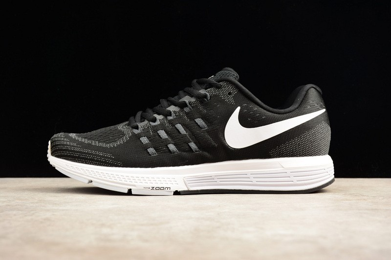 Prev Nike Air Zoom Vomero 11 Black White Classic 818099-001. Zoom aefe638f8