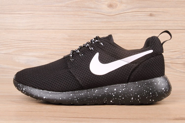 best sneakers b75d4 56dca Prev Nike Roshe Run New Collection White Black 511881-011