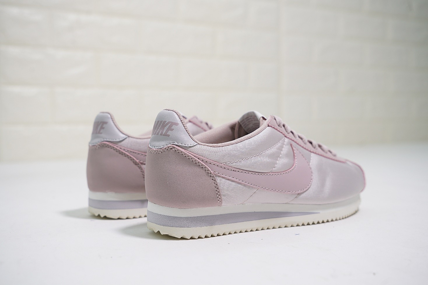 051deb7bca50 Nike Classic Cortez Nylon Trainers Particle Rose 749864-605 - Febbuy